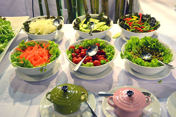Fresh vegetable buffet