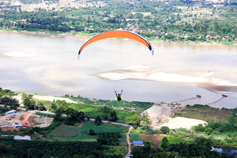 Glass Bridge and Paragliding in Pha Tak Suea